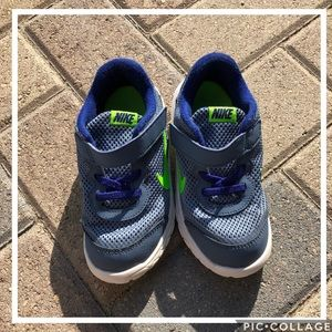 Nike Bluish-Gray Velcro Tennis Shoes